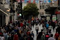 İspanya'da hafta sonunda Kovid-19 vakaları 19 bin 382 arttı