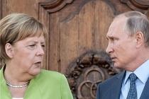 Merkel Navalnıy vakası için kadife eldivenlerini çıkarttı