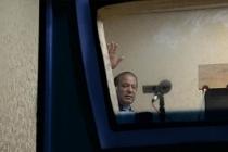 Pakistan'da Yüksek Mahkemeden eski Başbakan Şerif'e: Ülkeye dön