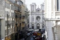 Fransa'da kilise yakınında bıçaklı saldırı: 3 ölü