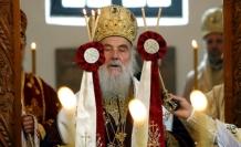 Sırp Ortodoks Kilisesi Moskova'nın arkasında
