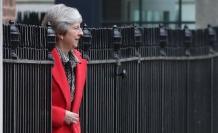 Brexit projesi reddedilen May için istifa beklentisi