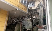 Kağıthane'de istinat duvarı çöktü