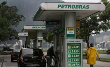 Petrobras üst yöneticisi havlu attı