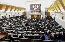 Malezya'nın yeni meclisinde ilk kriz