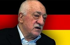 """SETA """"Almanya'da FETÖ Yapılanmasını"""" mercek altına aldı"""