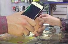 Tacikistan'da sertifikasız cep telefon satışına yasak