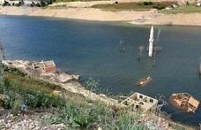 Baraj çekildi köy göründü