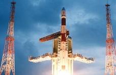 Hindistan 2022'de uzaya insan taşıyan mekik gönderecek
