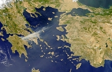Karasularını 12 deniz miline çıkaran Yunanistan'a tepki