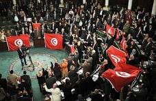 Tunus'ta grev öncesi uzlaşı arayışı