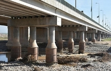 Irak'ın en uzun köprüsünde çökme riski var