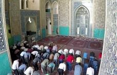İran'da cuma imamlarının istifaları tartışılıyor