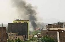 Afganistan'da istihbarat binasına bombalı araçla saldırı