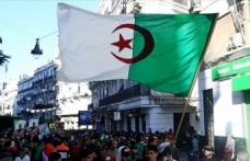 Cezayir halkı 'Buteflika kalıntıları' gitmeden seçim istemiyor