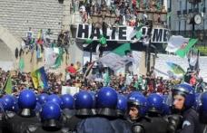 Cezayirliler geçiş dönemi liderlerine karşı 9. haftada da sokakta
