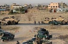Afganistan'da şehir merkezine bomba yüklü araçla saldırı