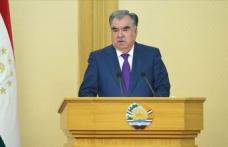 Tacikistan'da Cumhurbaşkanı İmamali Rahman, yemin etti