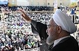 İran'da Ruhani'nin döviz politikasına eleştiri