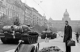 Tarihte Bugün: Varşova Paktı imzalandı