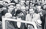 Tarihte Bugün (16 Şubat): Türkiye-Amerika telefon hattı açıldı