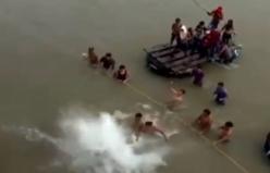 2 bin Meksikalı yüzerek sınır geçti