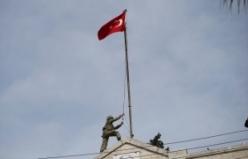 Afrin'de Türk bayrağı dalgalanıyor
