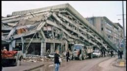 Depremin izleri fotoğraf karelerinde