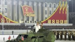 Kuzey Kore'den gövde gösterisi: Dünyanın en güçlü silahlarını tanıttılar