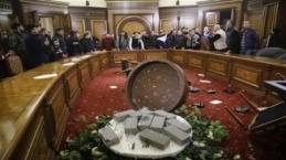 Ermeniler meclisi bastı