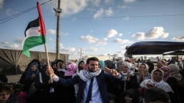 Filistinli gençler her şeye rağmen ezgi söylemeye devam etti