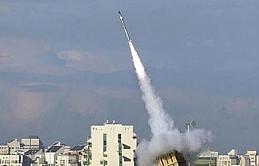 İsrail Suriye'de bir havalimanı bombaladı