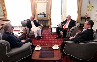 Afgan lideri Gani, yardımcısı Dostum ile görüştü