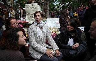 Arama kararı bulunan Nuriye Gülman gözaltında