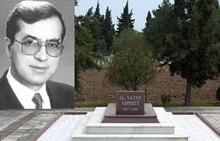 Sadık Ahmet mezarı başında anıldı