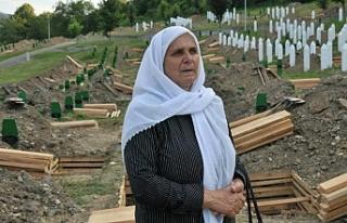 Srebrenitsa'dan geriye kalan anne Hatice Mehmedovic...