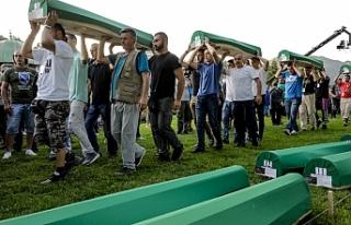Srebrenitsa soykırımının 35 kurbanı daha defnedilecek