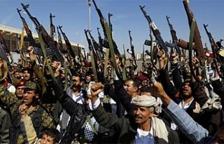 Yemen'de Husiler El-Muha Limanı'na saldırdı