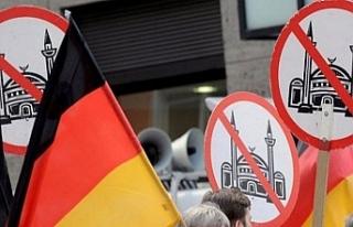 Alman polisi Türk anne ve oğlunu tehdit eden ırkçıyı...