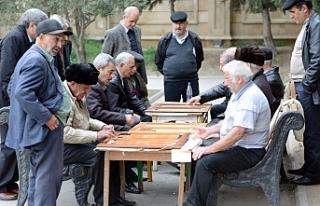 Azerbaycan'ın 10 milyon olmasına bir yıl kaldı