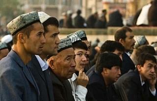 BM, Çin'den toplama kamplarındaki Uygurları...