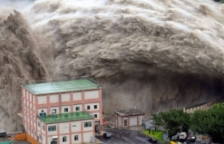 Çin, 'Jongdari' tayfunu için alarm verdi