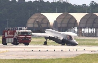 F-35 savaş uçağı iniş sırasında kırıma uğradı