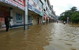Hindistan'da sel felaketinden sonra salgın korkusu