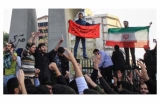 İran'da gösteriler sırasında bir kişi hayatını...