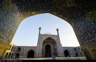 İran'da cuma hutbesınde protesto mesajı
