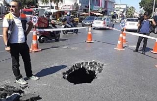 İstanbul Beşiktaş'ta yol çöktü