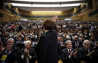 İYİ Parti'de Meral Akşener yeniden Genel Başkan