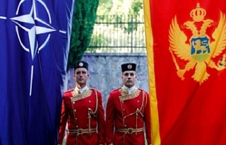 Karadağ askerlerinin üniforması Türkiye'den