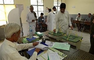 Pakistan'da seçimler için araştırma komisyonu...
